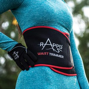Woman wearing a waist trimmer by Rappd