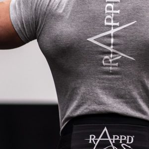Man doing a pull up at the gym wearing a rappd belt